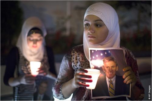 stevens_amb_candlelight_vigil_ny_500