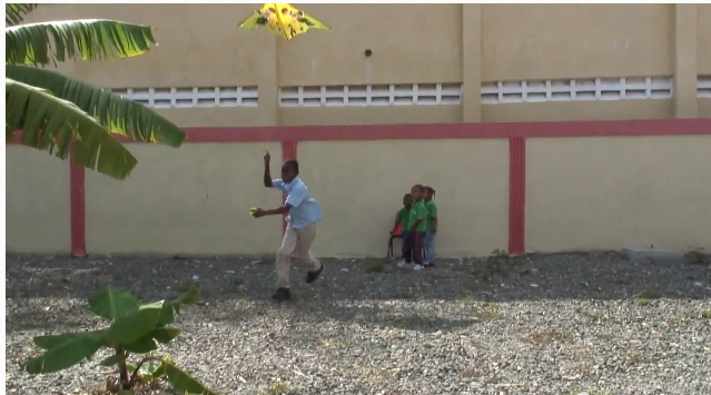 Talking Kites in the Dominican Republic