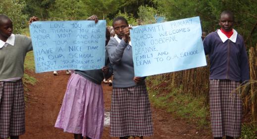 Students at Igwamiti Primary School in Nyahururu, Kenya Welcomes iEARN teachers from New Jersey.